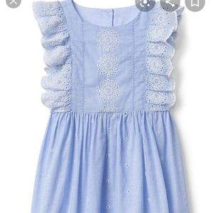 Gap eyelet dress size 3,ruffles on size, Mint